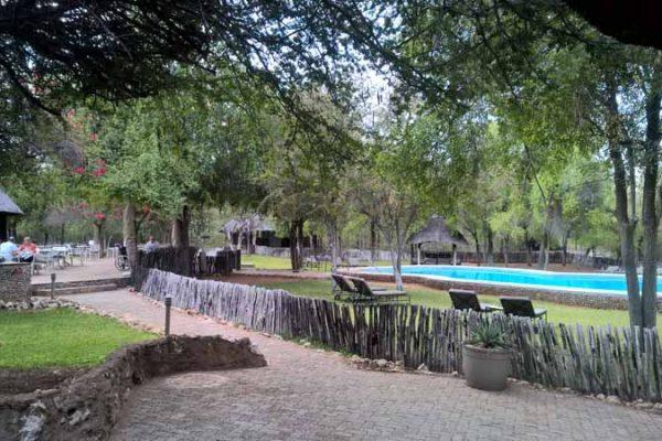 Die Mushara Luxusunterkunft am Rande des Etosha Nationalparks