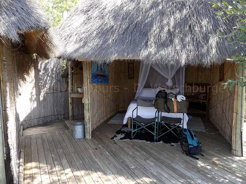 Unterkunft in Bambushütte in Ngepi