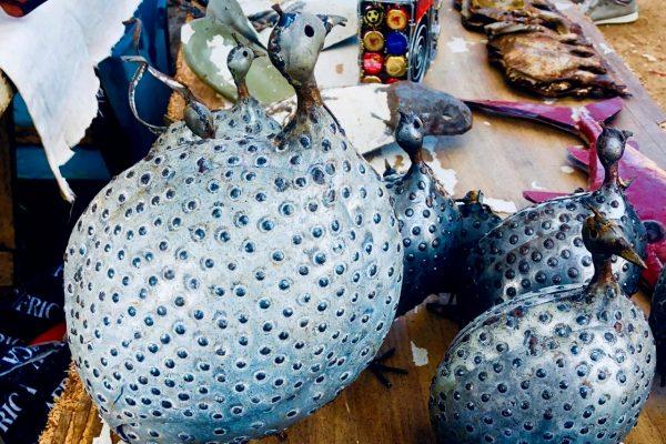 Tiere als Kunstwerke auf dem Markt in Stellenbscoh