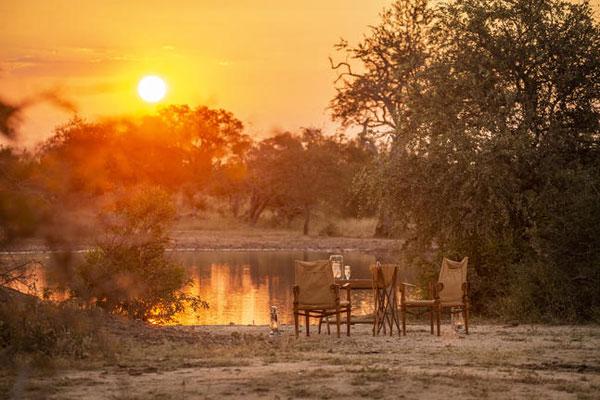 Abendsonne am Wasserloch im Krüger Park