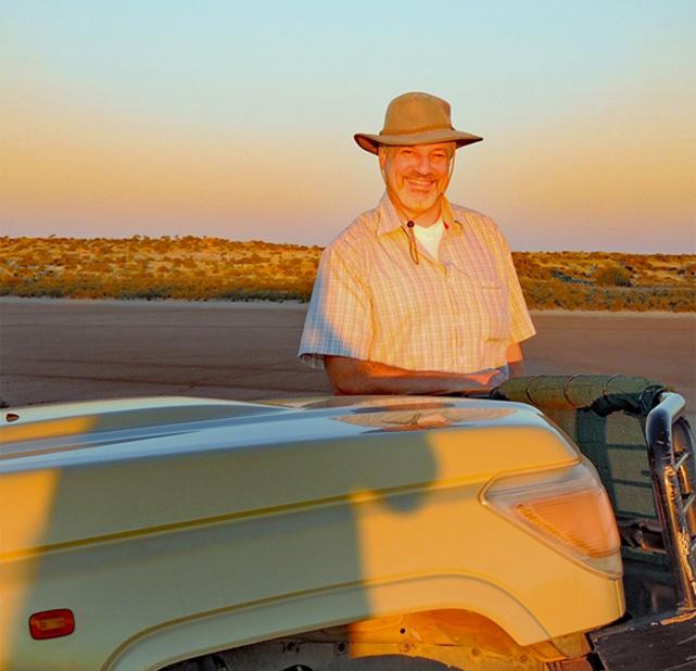 Sebastian Silio ist der Torumanager bei Sandveld Tours hier in Botswana