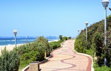 Strandpromenade Umhlanga Rocks am Indischen Ozean